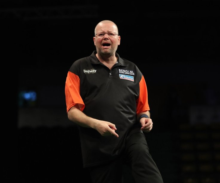 Van Barneveld Grand Slam qualification.jpg